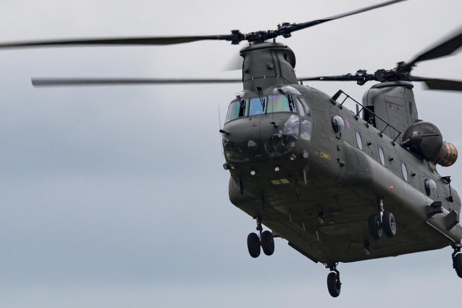 Solch große Chinook-Helikopter der US-Armee fliegen bald auch über Dresden.