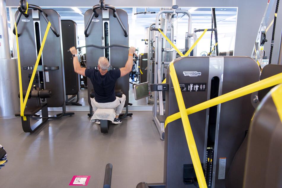 Fitnessstudios, Tanzschulen und Vereinssport in Hallen ist in Rheinland-Pfalz ab dem 27. Mai unter Auflagen wieder möglich.