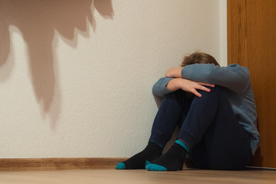 NRW investiert im Kampf gegen sexualisierte Gewalt an Minderjährigen Millionen Euro in spezialisierte Beratungsangebote. (Symbolbild)