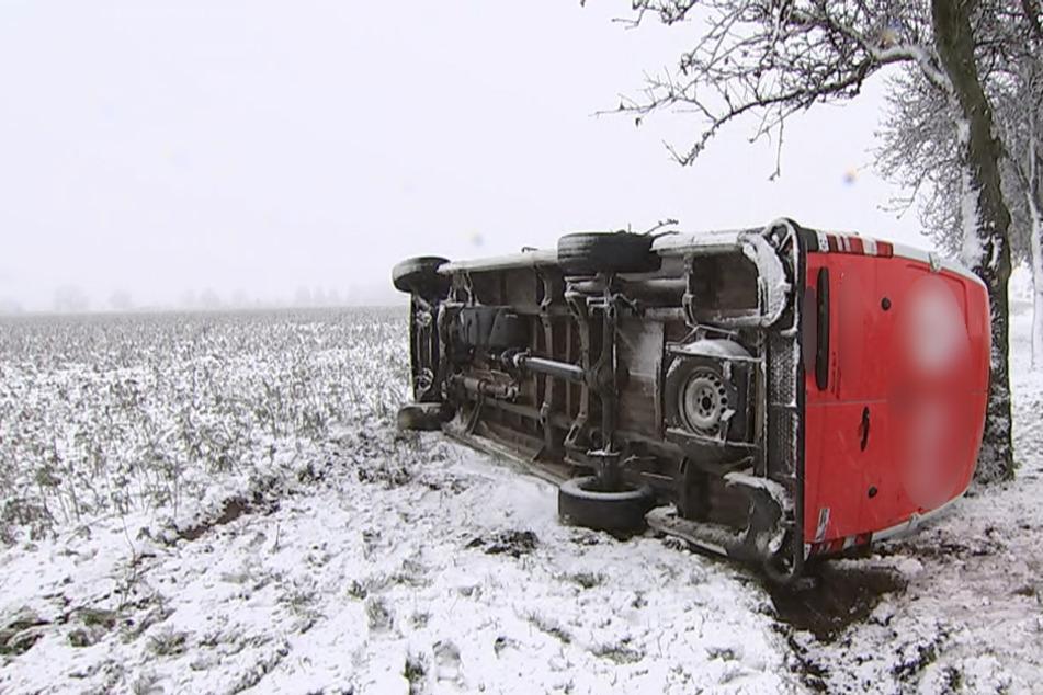 Winterdienst hat alle Hände voll zu tun: Mehrere Glätte-Unfälle bei Leipzig