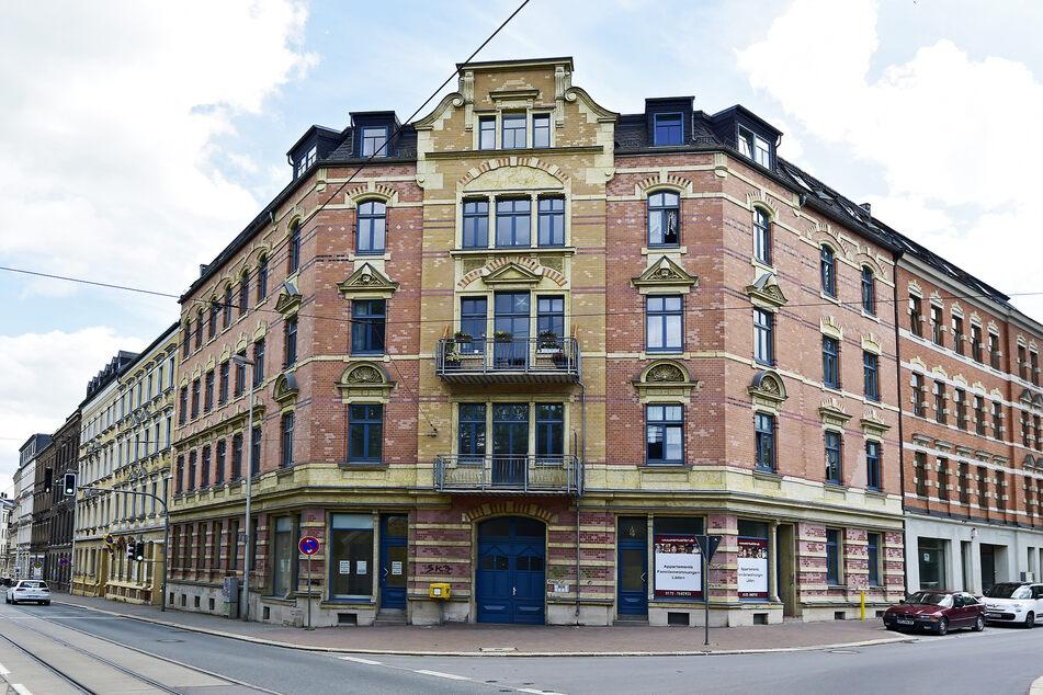 Eine der Pyro-Attacken galt dem Gebetsraum im Haus der Weisheit e.V. in der Werdauer Straße.