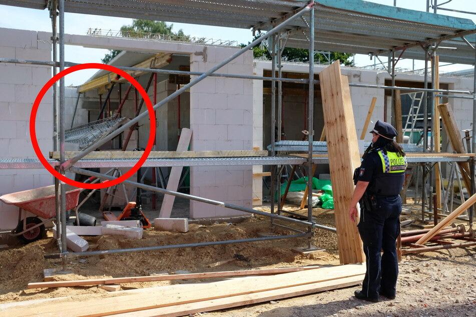 Zwischendecke aus Stahlbeton rutscht ab und stürzt auf Arbeiter