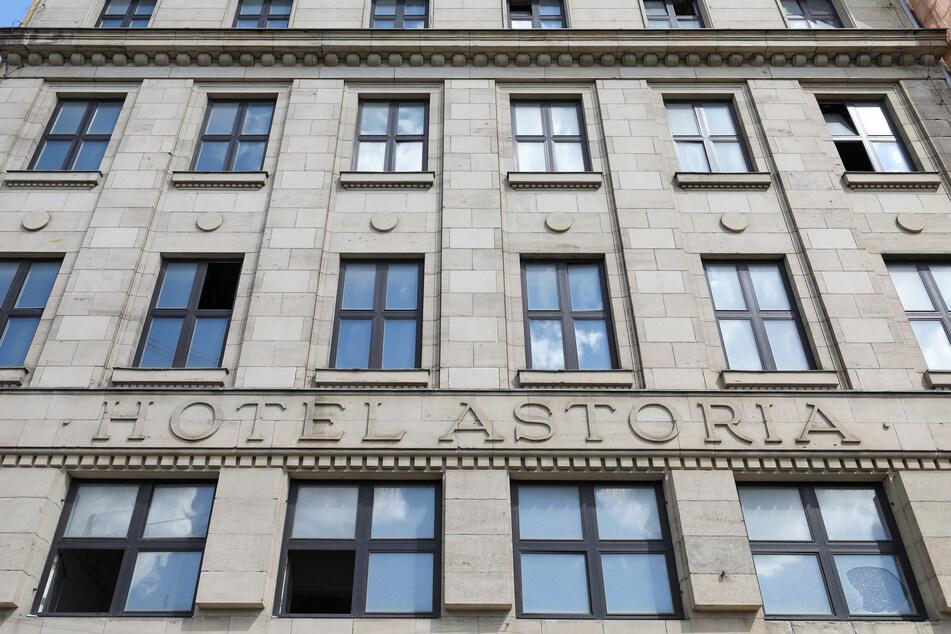 Das berühmte Hotel Astoria direkt am Leipziger Hauptbahnhof. (Archivbild)