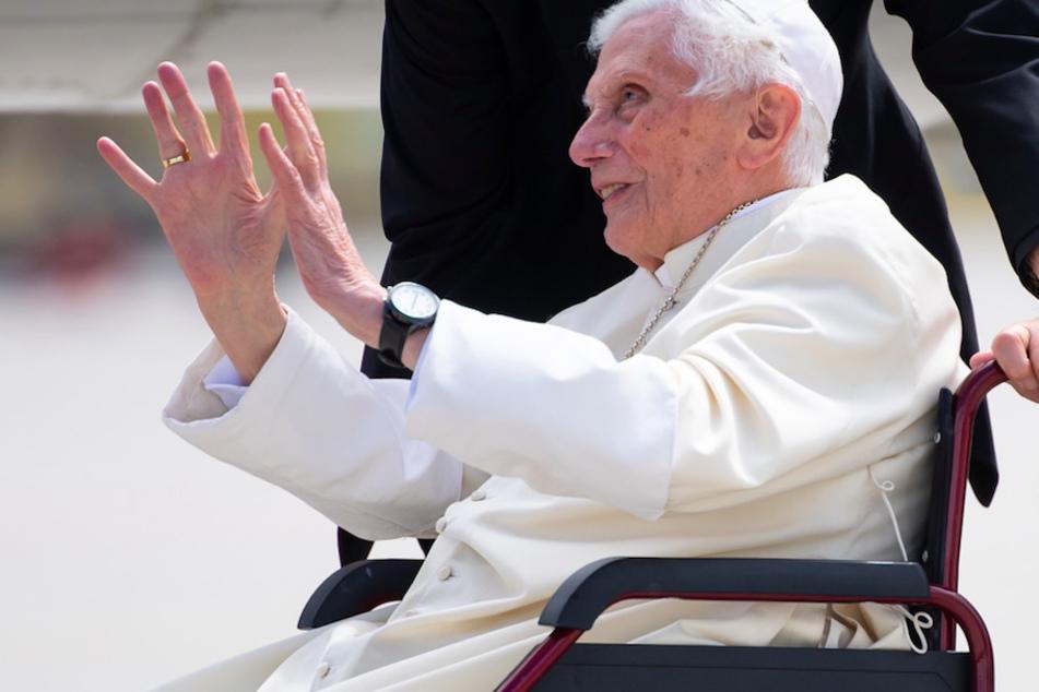 Benedikt XVI. schwer erkrankt: Wie schlimm steht es wirklich um den emeritierten Papst?