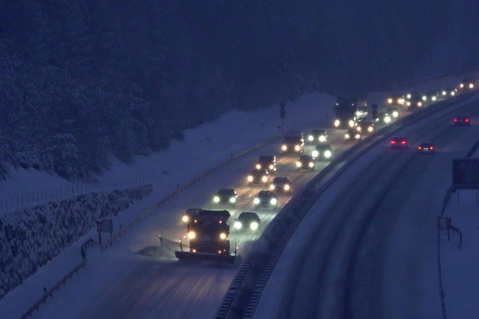 Der Dienstagmorgen auf Thüringens Autobahnen war geprägt von Schnee.
