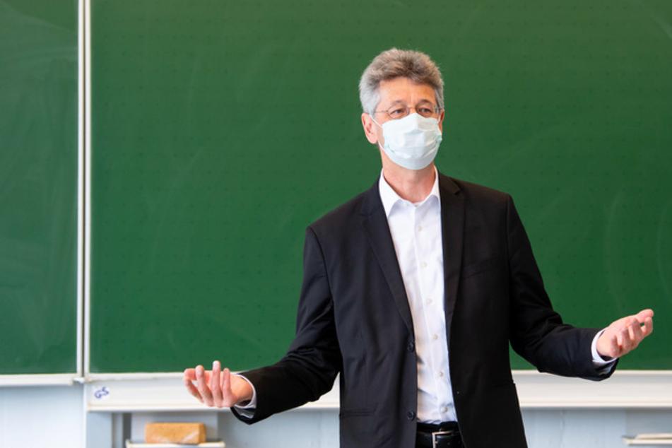 München: Nach Kritik: Schulgipfel über Unterricht unter Corona-Bedingungen