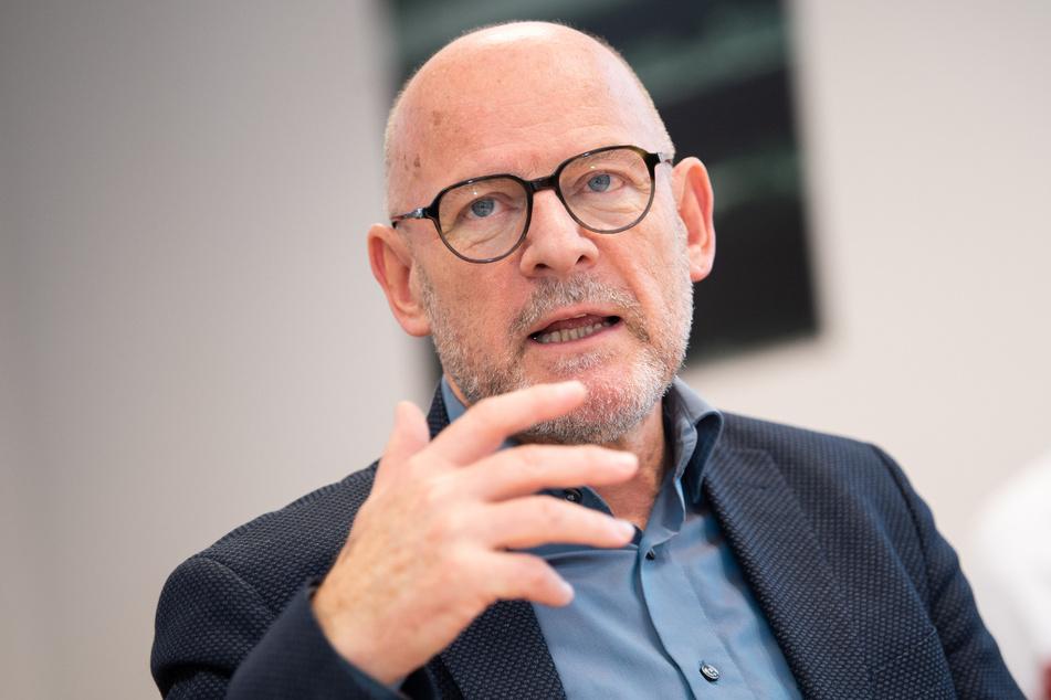 Verkehrsminister Winfried Hermann (68, Grüne).