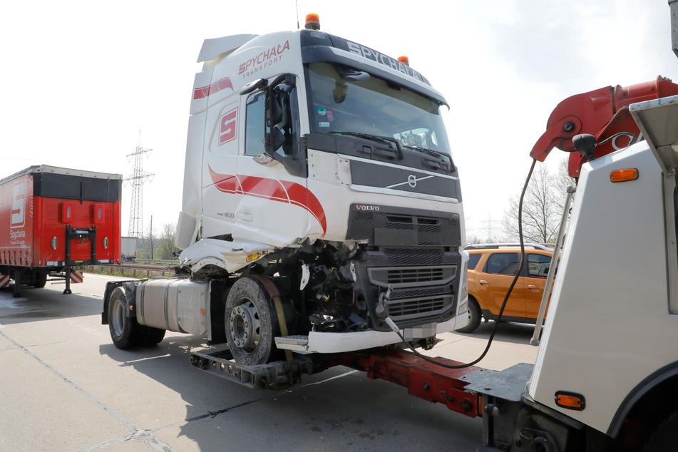 Auf der A4 sind am Dienstag zwei Lkw aufeinander gefahren.