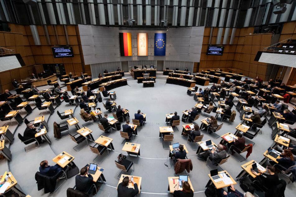 Am Donnerstag steht bei der Sitzung des Berliner Abgeordnetenhauses wieder einmal die Corona-Pandemie im Mittelpunkt.