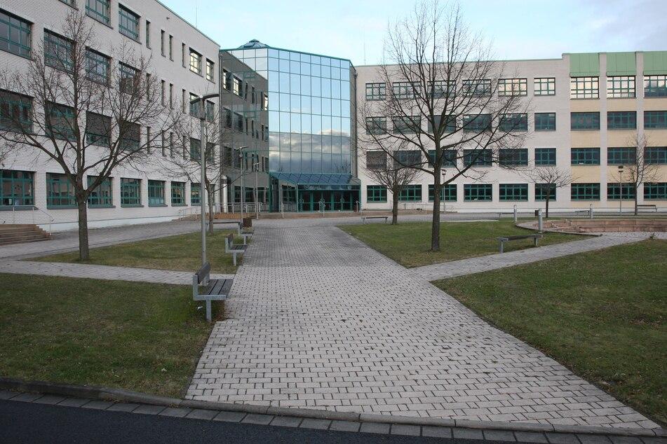 Fast 140 Aussteller präsentieren sich im Beruflichen Schulzentrum für Technik und Wirtschaft in Pirna-Copitz.