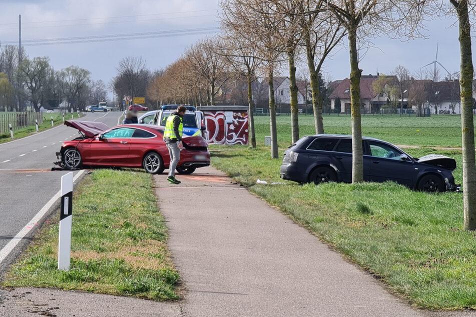 Beide sollen entgegengesetzt überholt haben. Der Audi scherte wieder ein und sah den Mercedes auf seiner Spur auf sich zukommen.