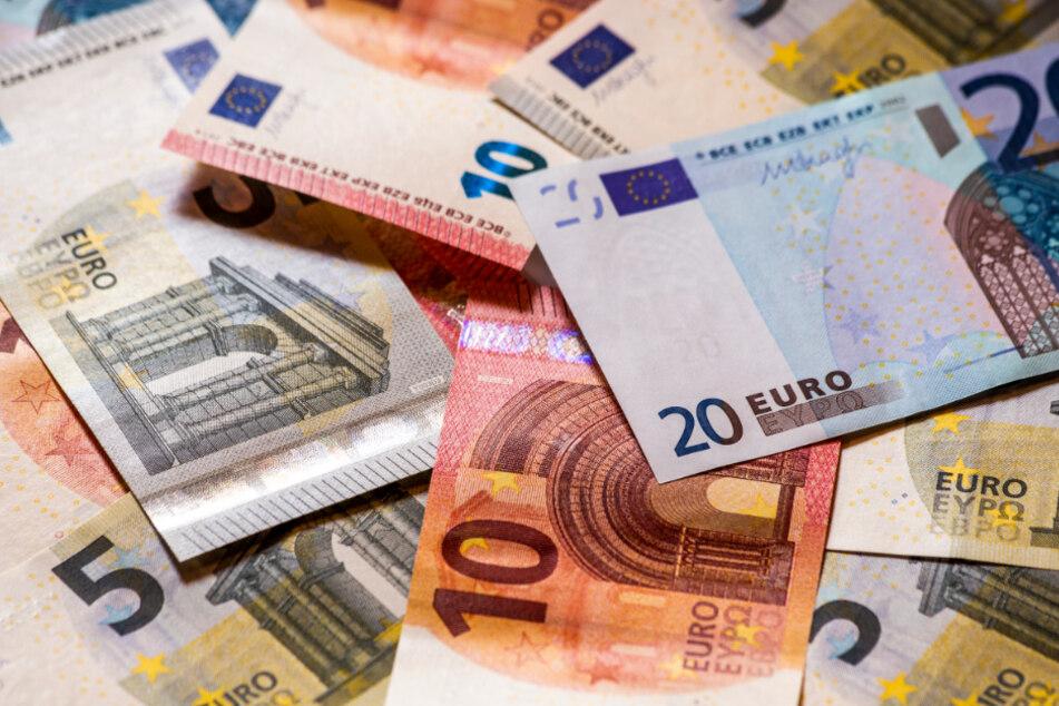 Kundin findet in Supermarkt 3660 Euro Bargeld und verhält sich vorbildlich