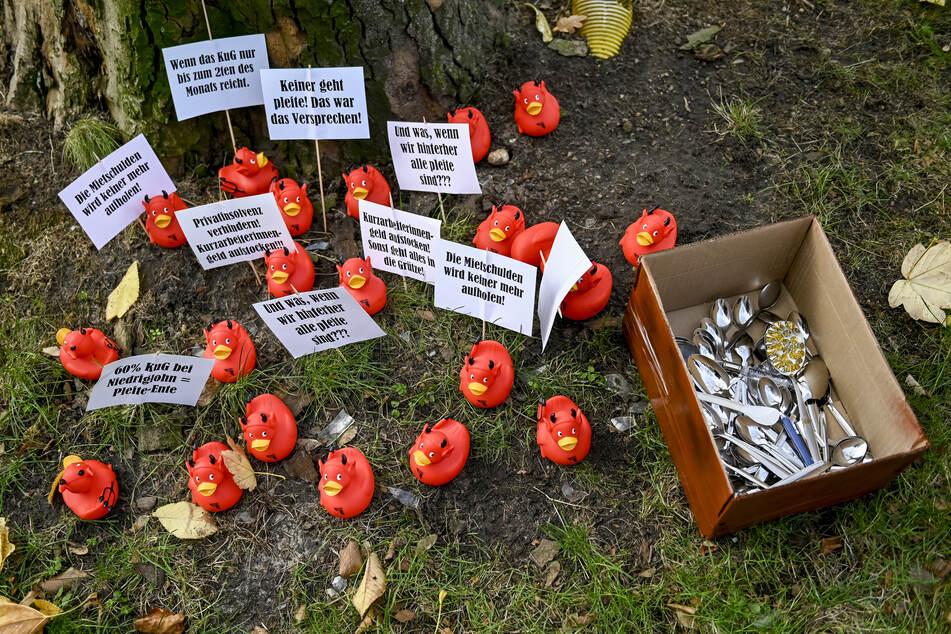 Hunderte Löffel für Tschentscher: Corona-Hilferuf von Kellnern und Köchen!