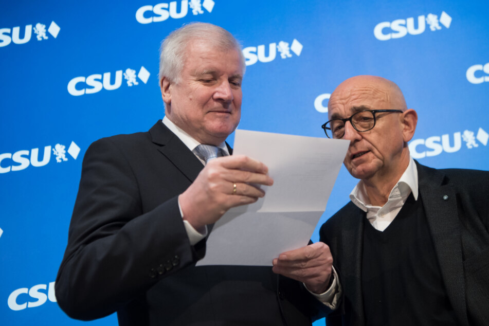 Maskenaffäre: Bayerns Ex-Justizminister Alfred Sauter hat alle Parteiämter abgegeben!