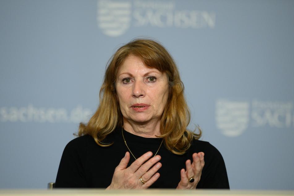 Sachsens Gesundheitsministerin Petra Köpping (63, SPD) kündigte am Dienstag das Ende der Maskenpflicht beim Einkaufen an.