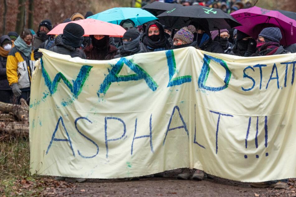 Dannenröder Forst: Rodungen trotz Protest in der Schlussphase