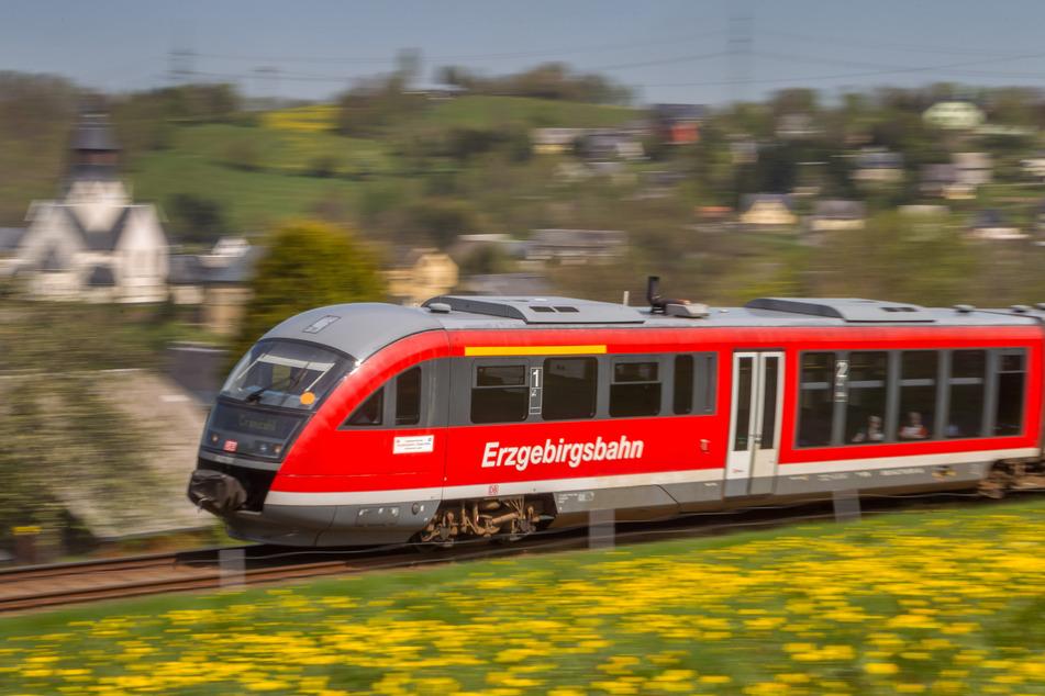 Zug, Bus oder doch lieber Auto? Die TU Chemnitz forscht aktuell zum Mobilitätsverhalten im Erzgebirge (Archivbild).