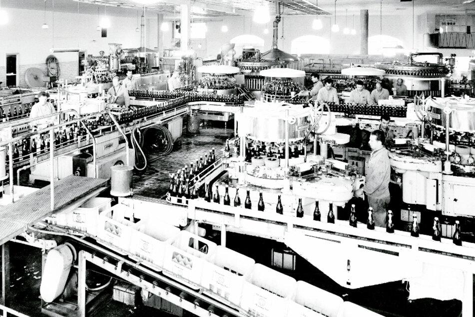 Die erste Flaschenbierabfüllung der Binding-Brauerei wird im Jahr 1905 in Betrieb genommen.