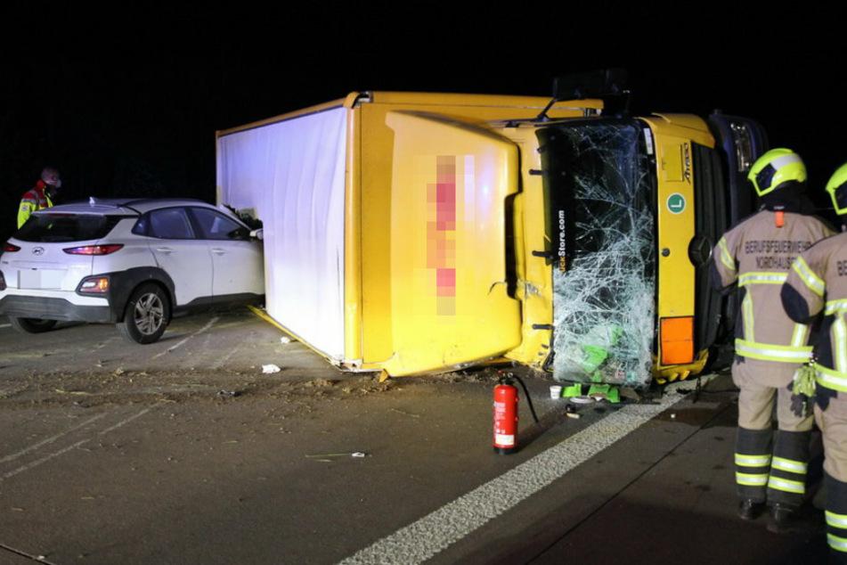Heftiger Unfall auf A38: Auto kracht in Paketdienst
