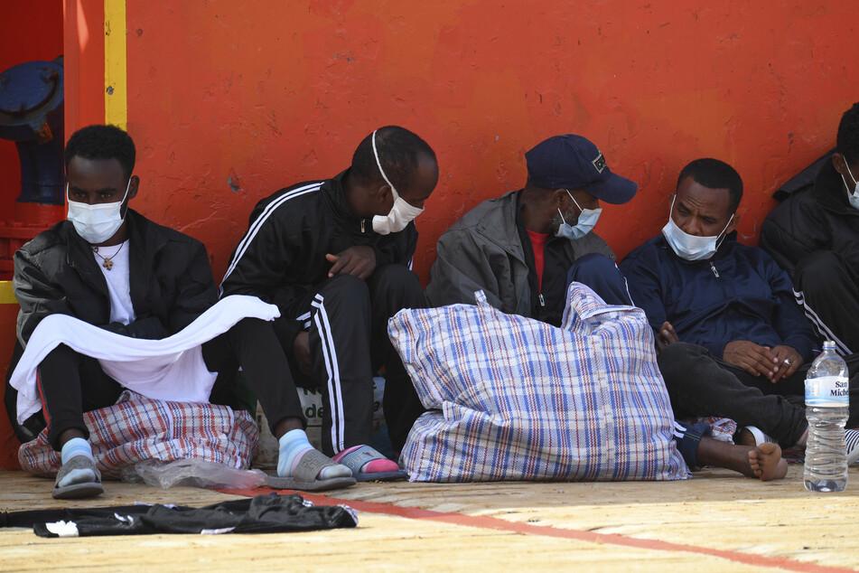 Auf der kleinen italienischen Mittelmeerinsel Lampedusa sind innerhalb von 24 Stunden rund 7000 Bootsmigranten angekommen. (Archivbild)