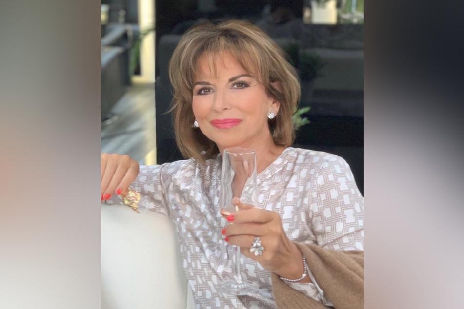Claudia Obert (59) präsentiert ihren neuen Look auf Instagram.