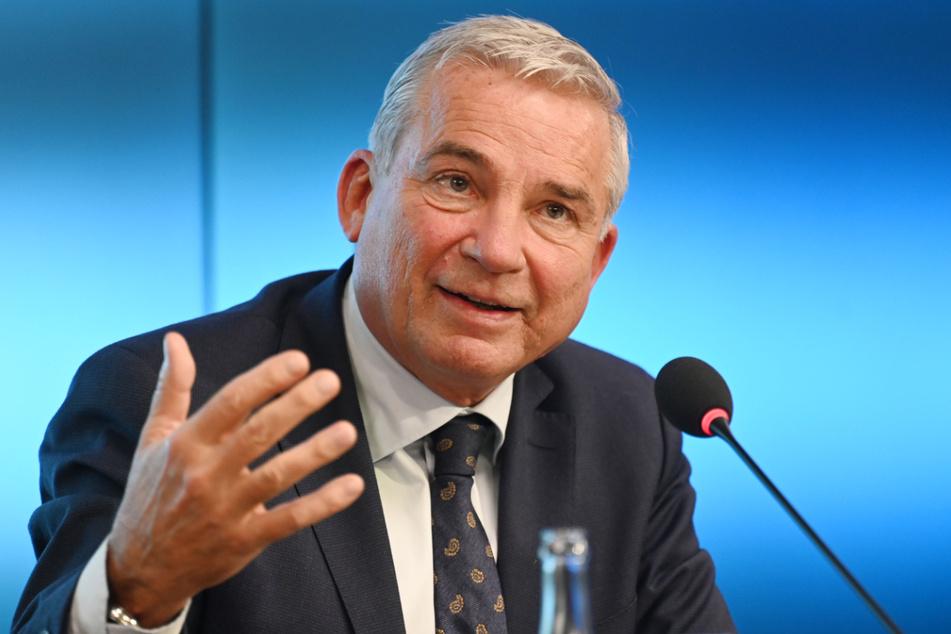 Innenminister Thomas Strobl (CDU, 60) fordert mehr Konsequenz von Löbel.