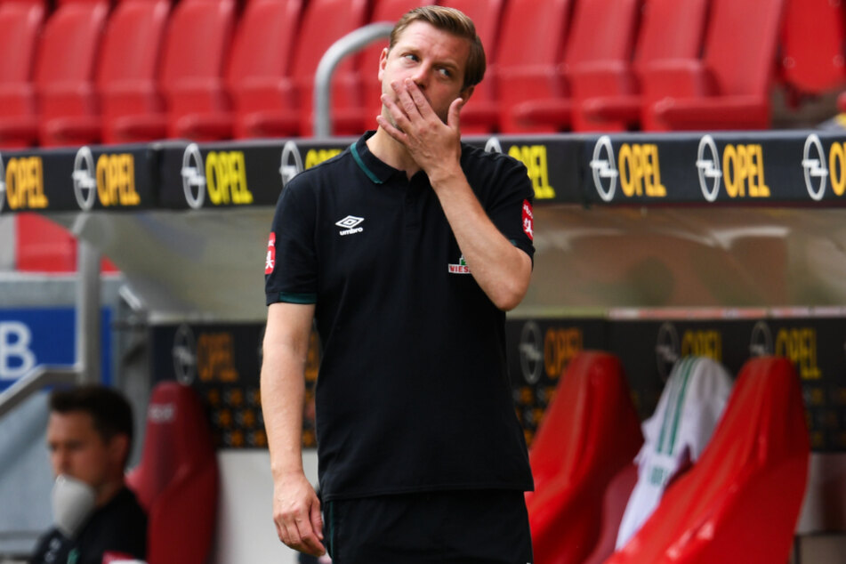 Werder-Trainer Florian Kohfeldt ärgerte sich über die große vergebene Chance seines Teams, Düsseldorf mit einem Sieg zu überholen.