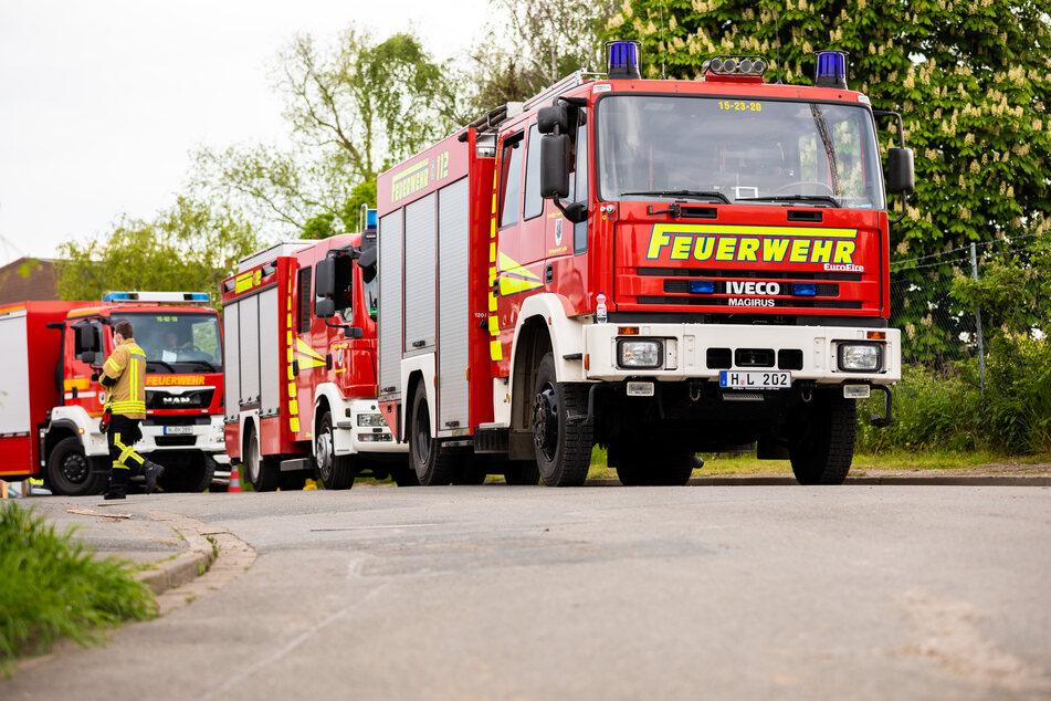 Am Dienstagabend stand eine Doppelhaushälfte in Flammen. Trotz aller Löschversuche der Feuerwehr erlag ein Rentner (88) seinen Verletzungen. (Symbolbild)
