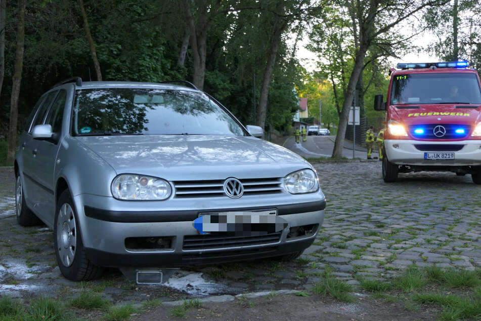 Das Unfallauto wurde später auf einem Parkplatz abgestellt am Muldenufer gefunden.