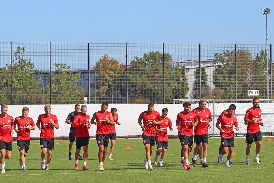 Die Spieler von Fortuna Düsseldorf beim Vormittagstraining.