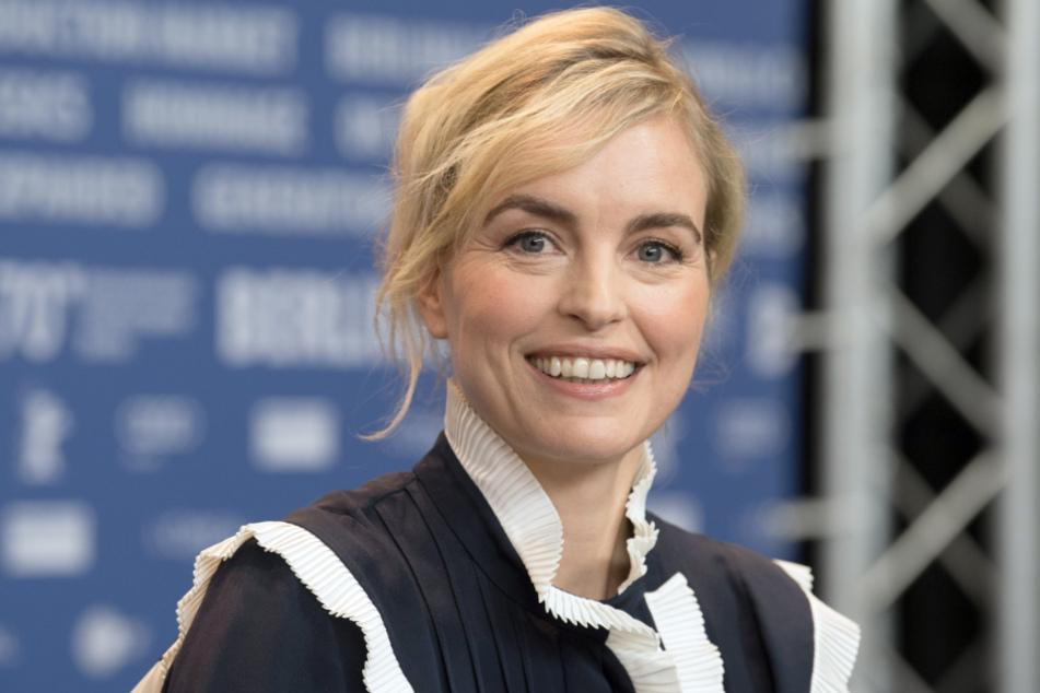 Die Schauspielerin Nina Hoss (45) ist mit dem Hannelore-Elsner-Schauspielpreis des Fünf Seen Filmfestivals in Bayern ausgezeichnet worden.