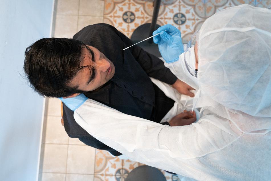 Dresden: Coronavirus in Dresden: Inzidenz sinkt am Samstagmorgen auf 74,9