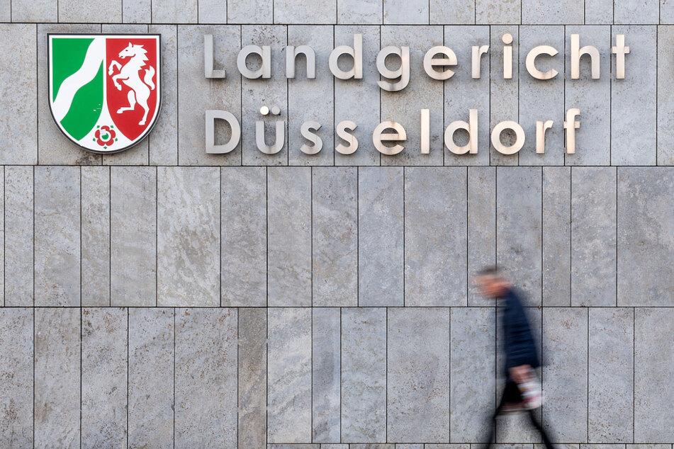 Mutmaßliche IS-Terroristin und Dreifach-Mutter in Düsseldorf vor Gericht