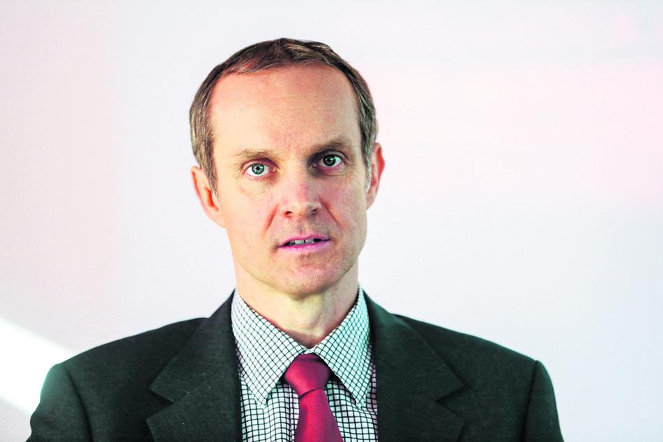 Michael Hummel (45) ist Rechtsexperte der Verbraucherzentrale Sachsen. Er rät, Sommerreisen vorerst noch nicht zu stornieren.