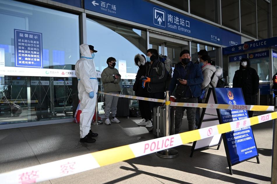 Der Bahnhof von Shijiazhuang ist seit Mittwoch wegen der Ausbreitung von COVID-19 in Shijiazhuang, Hebei, nicht mehr in Betrieb.