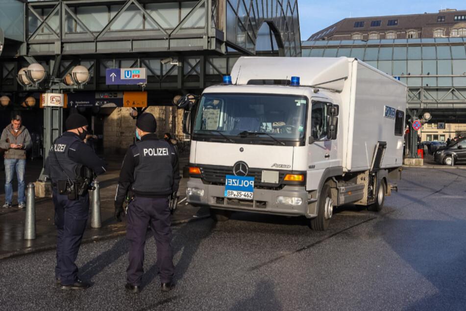 Verdächtiger Koffer entdeckt: Großeinsatz am Hauptbahnhof!