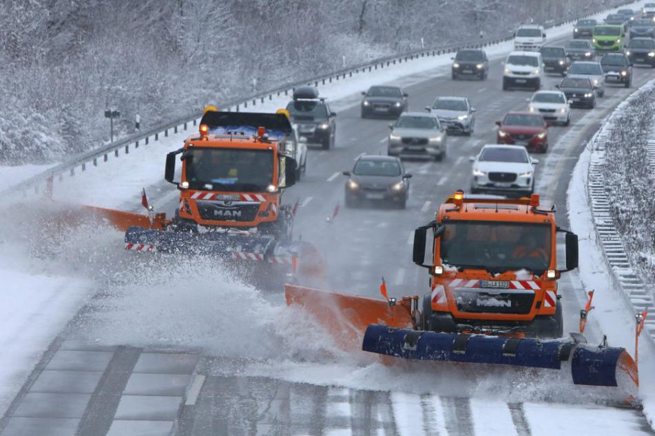 Noch mehr Schnee in Sachsen! Winterdienst im Dauereinsatz