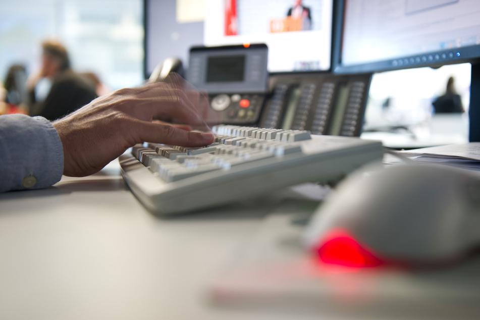 Ungeachtet des coronabedingten Trends zur Arbeit daheim wird das Büro in absehbarer Zeit nicht aus dem Alltag verschwinden. (Symbolbild)