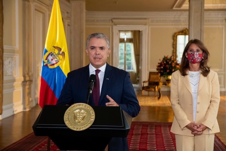 Der Präsident Ivan Duque (44) verstärkt die Sicherheitskräfte auf den Straßen.