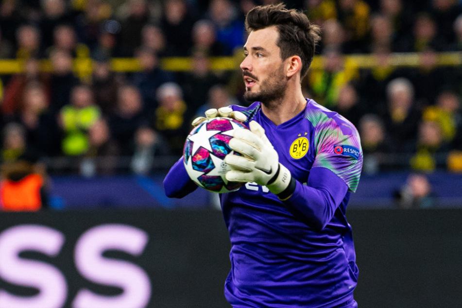 """Roman Bürki (29) erklärte am Mikrofon bei """"Sky"""", dass er seinen Vertrag beim BVB verlängern wird."""