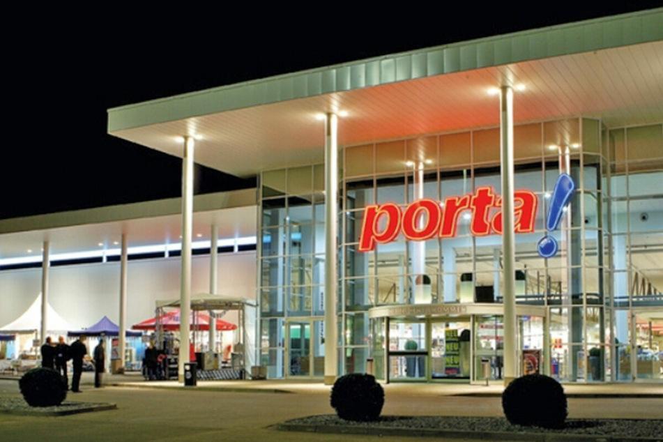 Möbelhaus in Braunschweig lässt bis 13.3. nur mit Termin rein und startet krasse Aktion