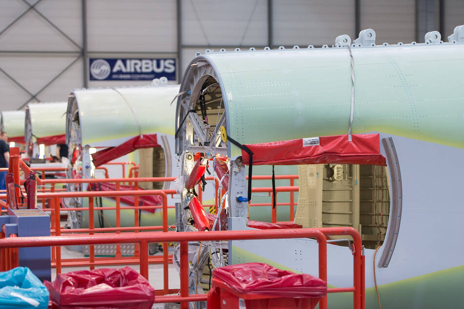 Airbus in der Krise: Flugzeugbauer streicht 3200 Jobs im Norden!