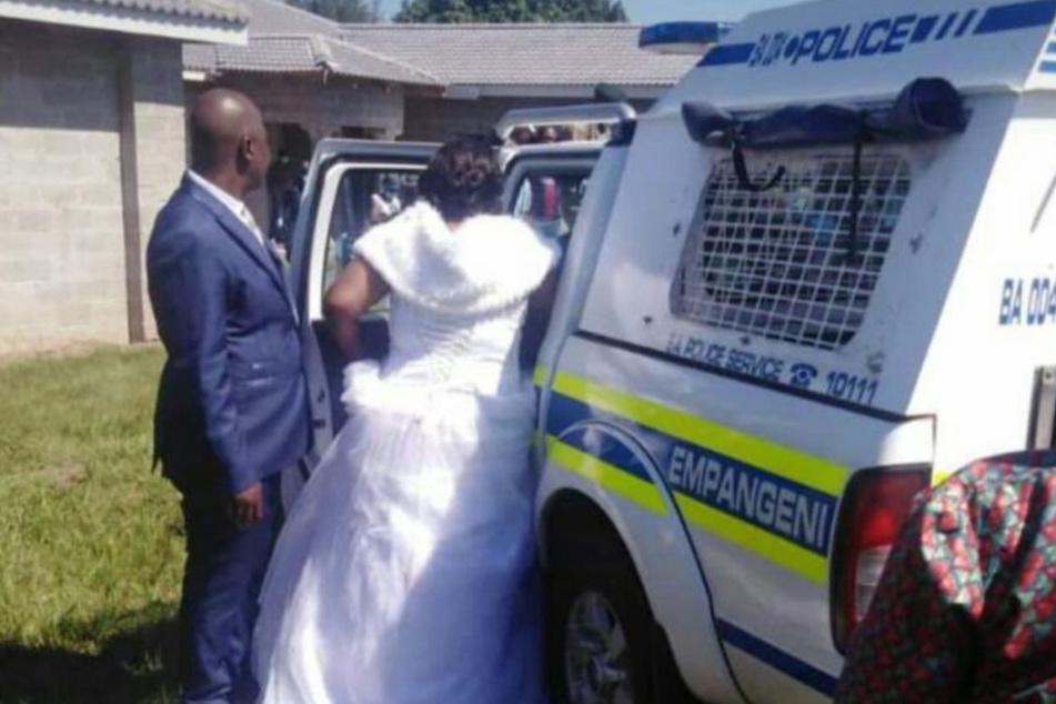 Hochzeitscrasher: Ehepaar wird kurz nach Trauung verhaftet