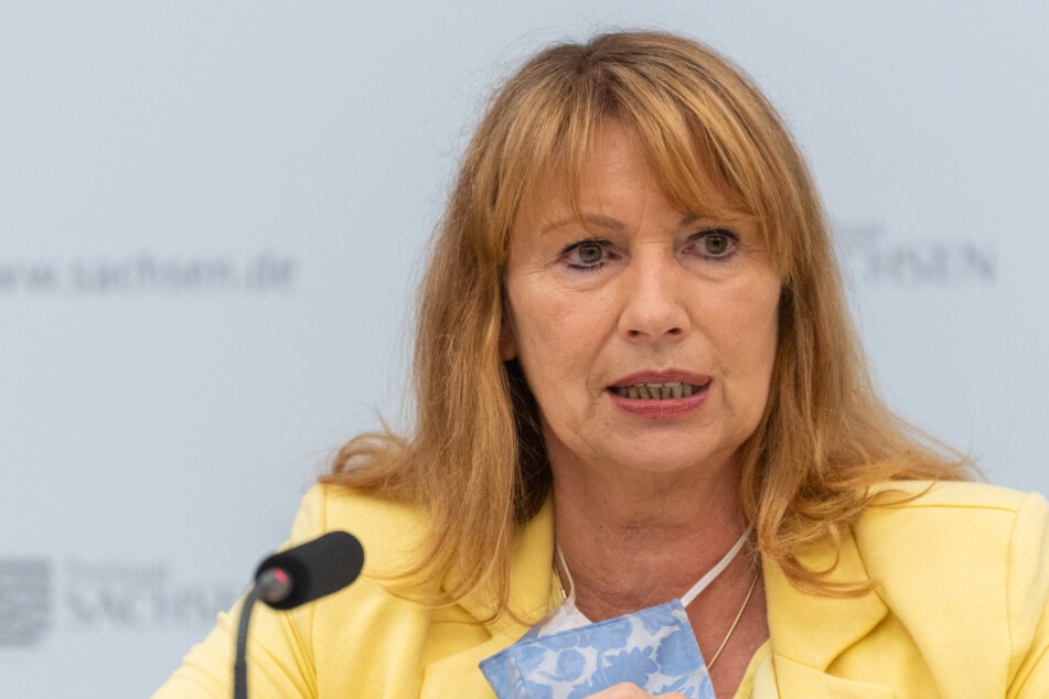 Petra Köpping, (61, SPD).