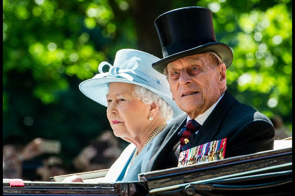 The UK's Queen Elizabeth II (94) and her husband Philip (99), the Duke of Edinburgh, were vaccinated against the coronavirus on Saturday (archive image).