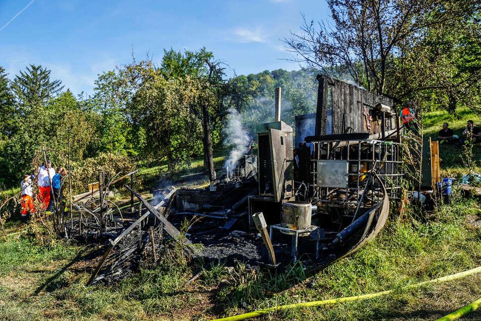 Die abgebrannte Hütte am Samstag.