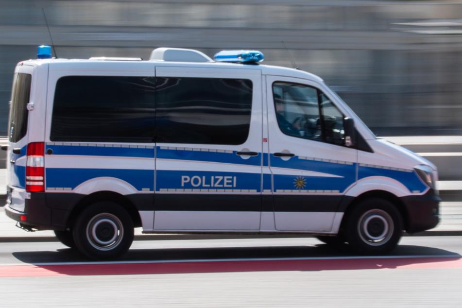 Dresden: Männer trinken zusammen Alkohol und legen sich mit Polizei an