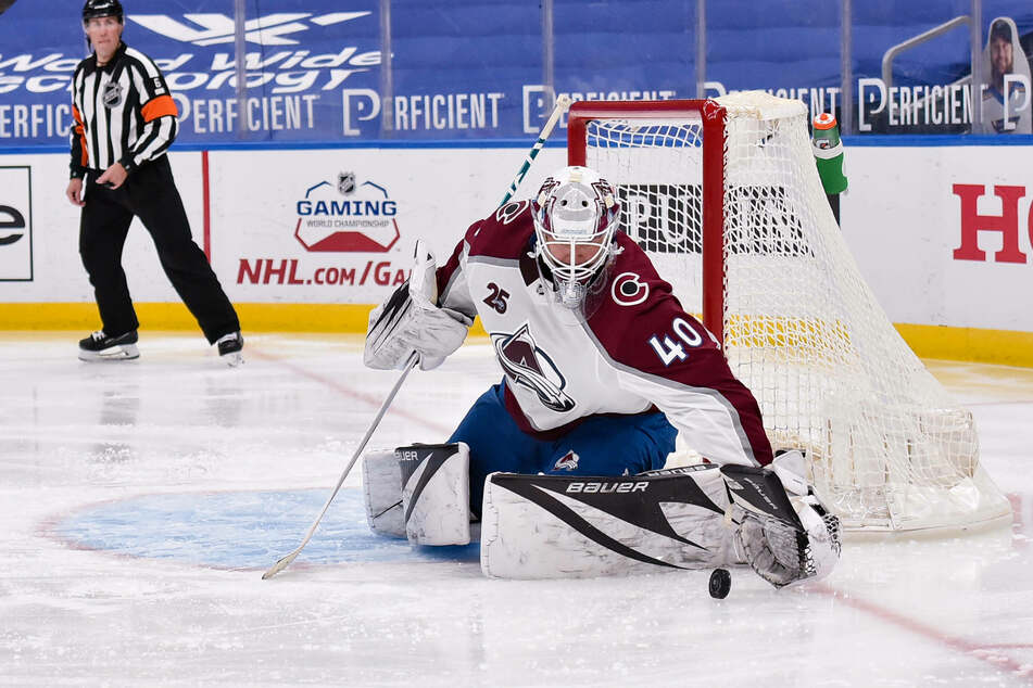 Newly acquired Colorado Avalanche goaltender Devan Dubnyk made 31 saves on Wednesday night