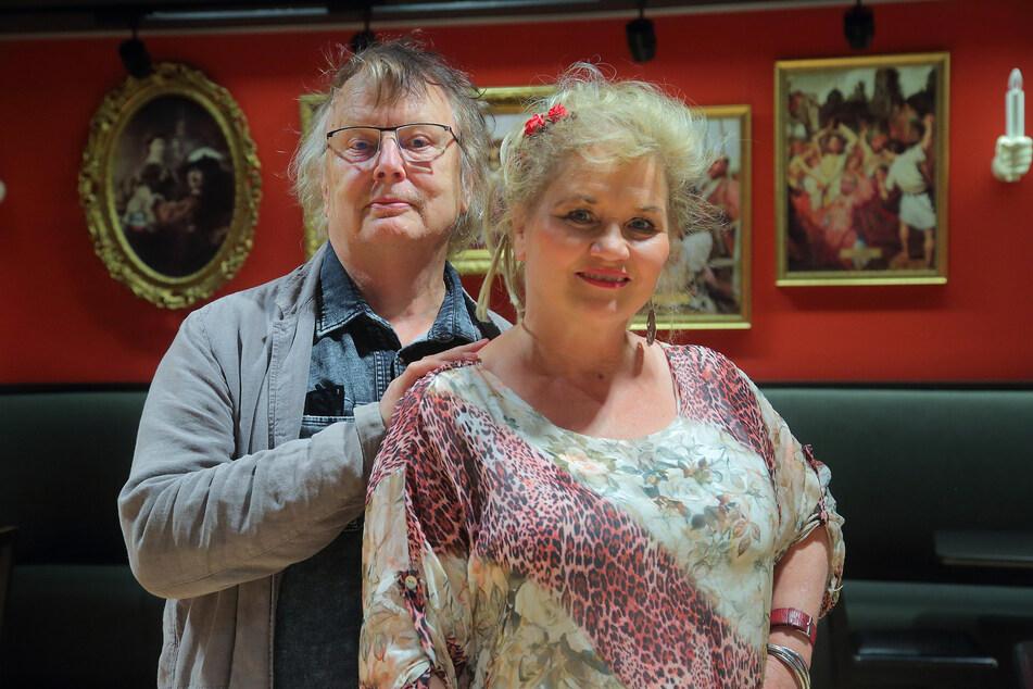 Wolfgang (80) und Birgit Schaller (58) sind glücklich, dass die Keule am Samstag die ersten Zuschauer empfängt.