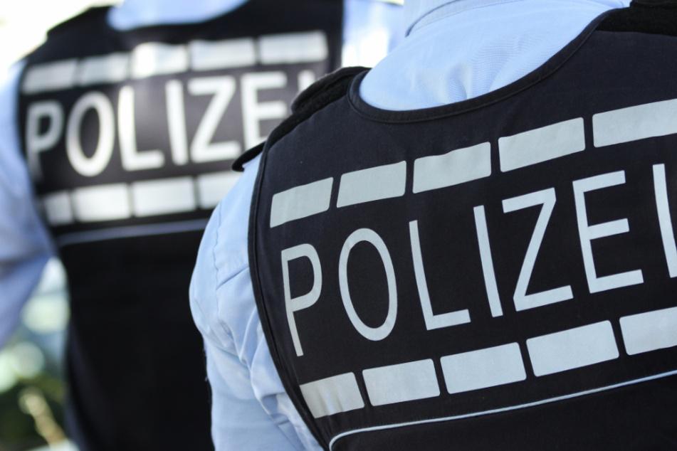 Als die Polizei den 25-Jährigen überwältigten, eskalierte die Situation. (Symbolbild)